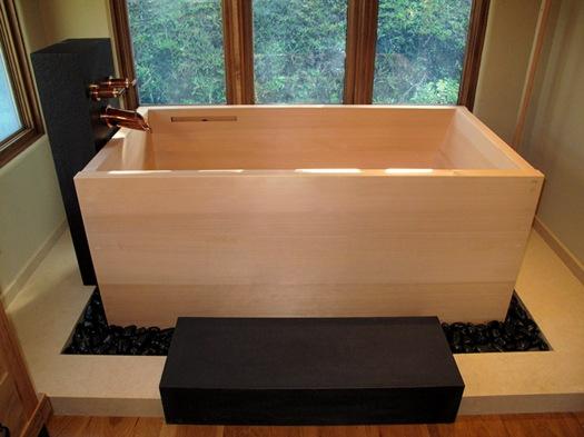 Traditional Japanese bath ofuro